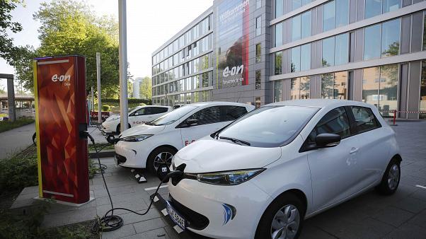 روند صعودی فروش خودروهای برقی | چین پادشاه بازار جهانی وسایل نقلیه الکتریکی