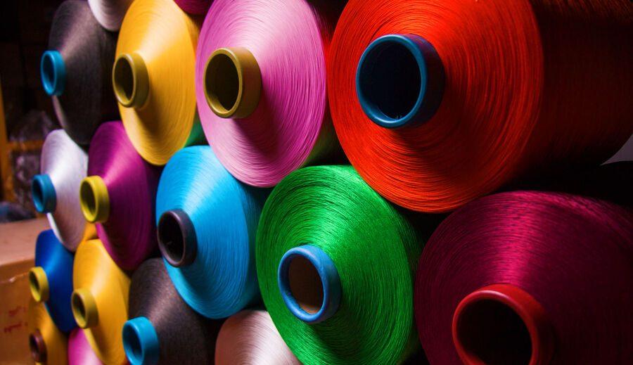 پذیرش ۳ محصول شرکت پلی اکریل در بورس کالا